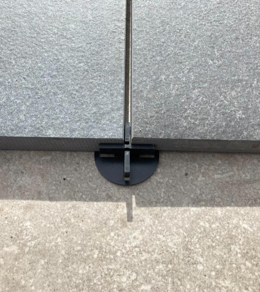 Kryss till granitkeramik med bottenplatta